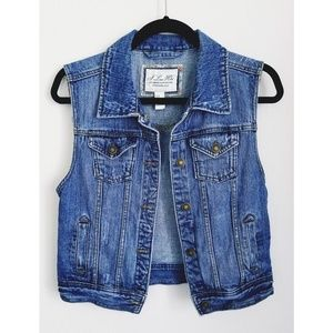 F21 | Distressed Denim Jacket